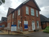 Route from St Albans Children's Centre Blue Badge Bays to the Main Entrance