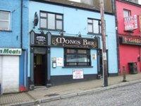 Mones Bar