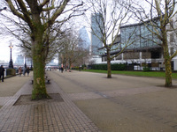 Queen's Walk - between Waterloo Bridge and Blackfriars Bridge
