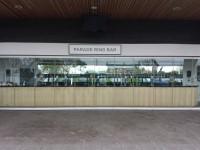 Pre-parade and Parade Ring Bars
