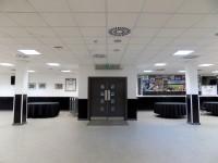 Riverside Lounge - Eteach Stand